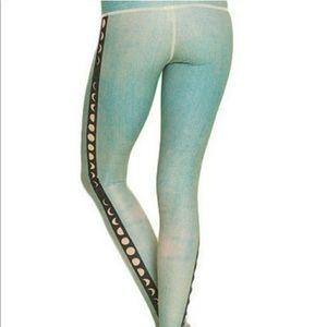 Teeki Moon phase mint leggings
